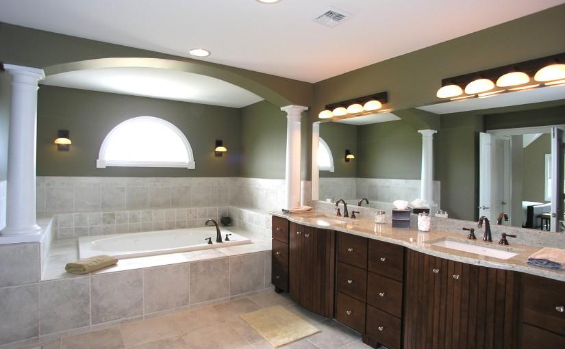 Badezimmerbeleuchtungsplanung –  öffentliche Gebäude mit LED-Einbaustrahler oder LED-Einbauleuchten