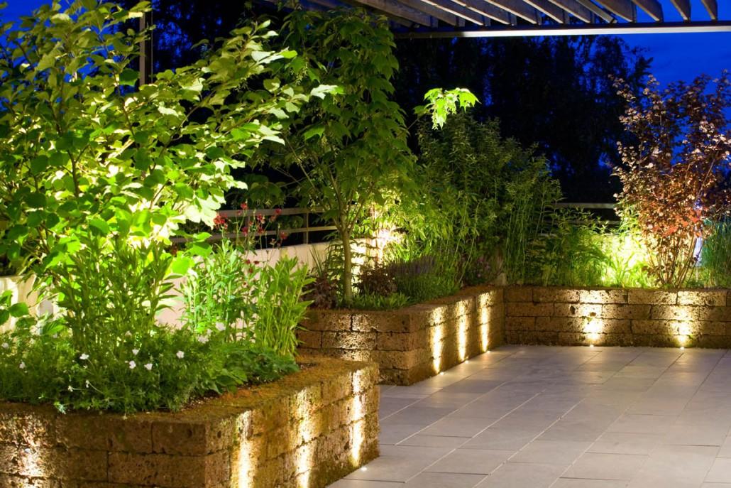 Modernes Lichtmanagement Im Büro, Gebäude Und Pflanzen Mit